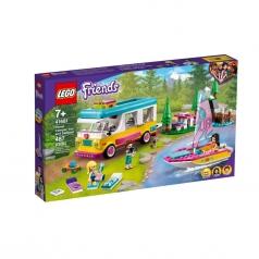 41681 - camper van nella foresta e barca a vela